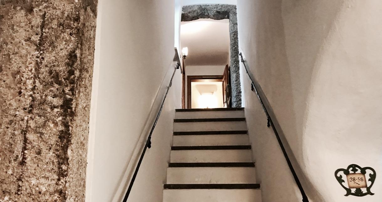 Besonderes Merkmal, ein Treppen Labyrinth im Hotel Goldener Hirsch Salzburg