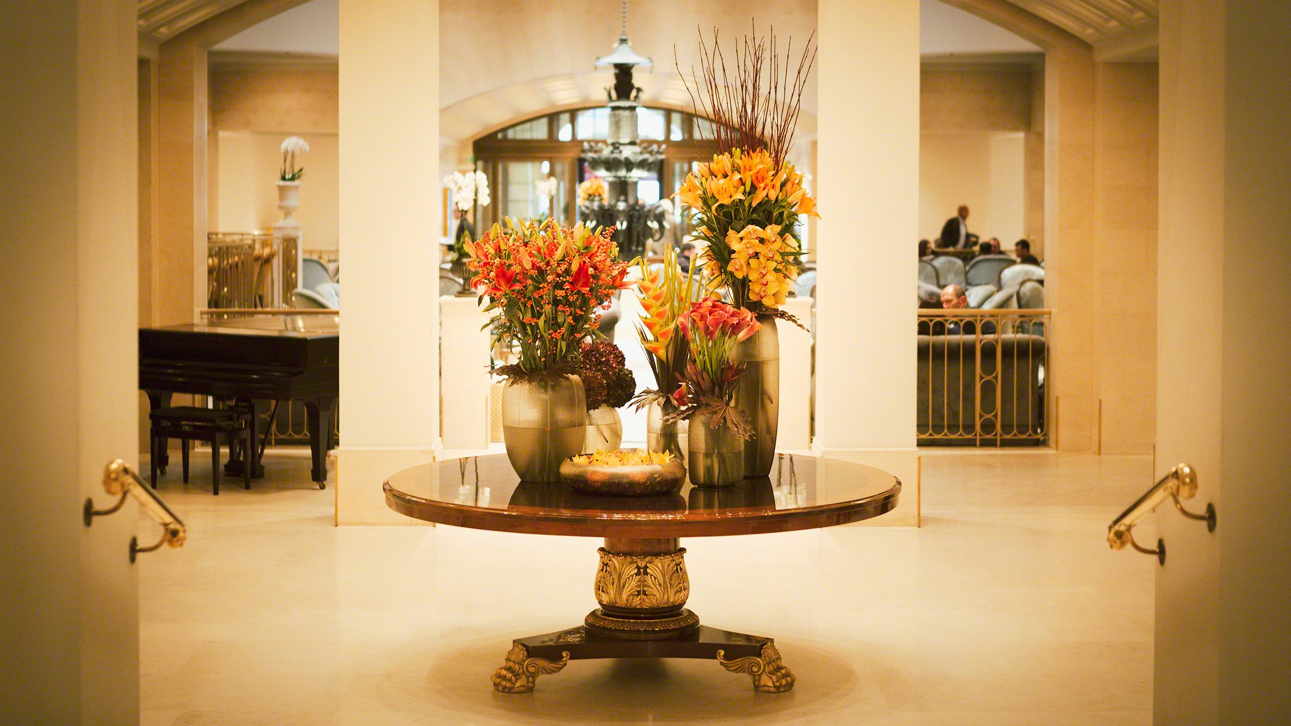 Luxushotel Adlon Kempinski Berlin Lobby mit Piano