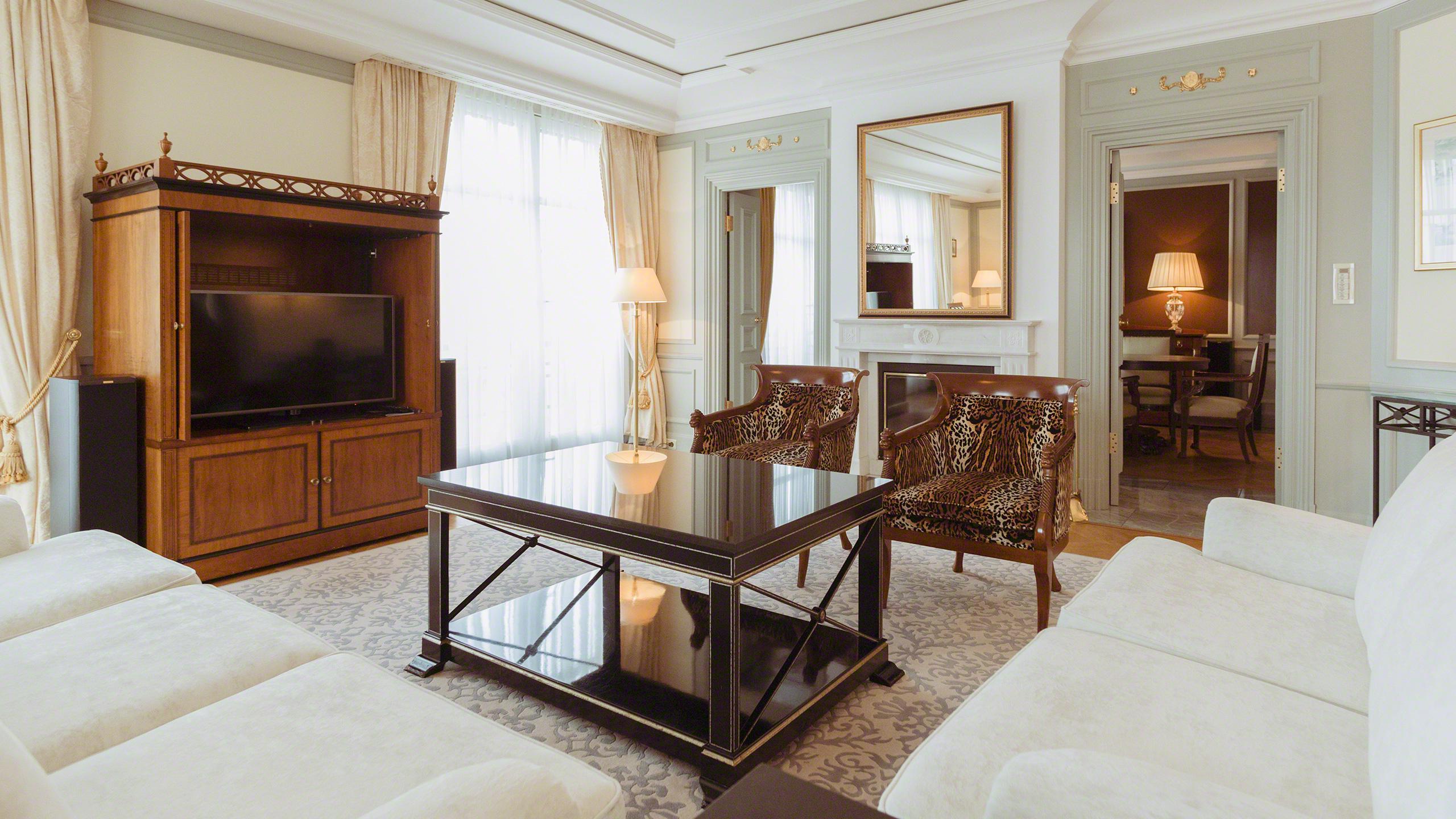 Luxushotel Adlon Kempinski Berlin Royal Suite Königs