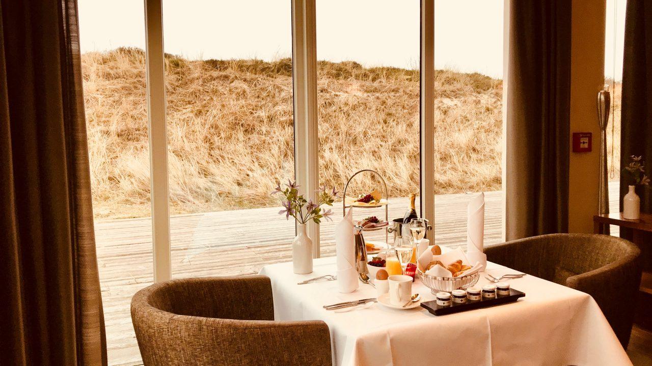 Sylt List A-ROSA Hotel Restaurant Dünenrestaurant Frühstückstisch