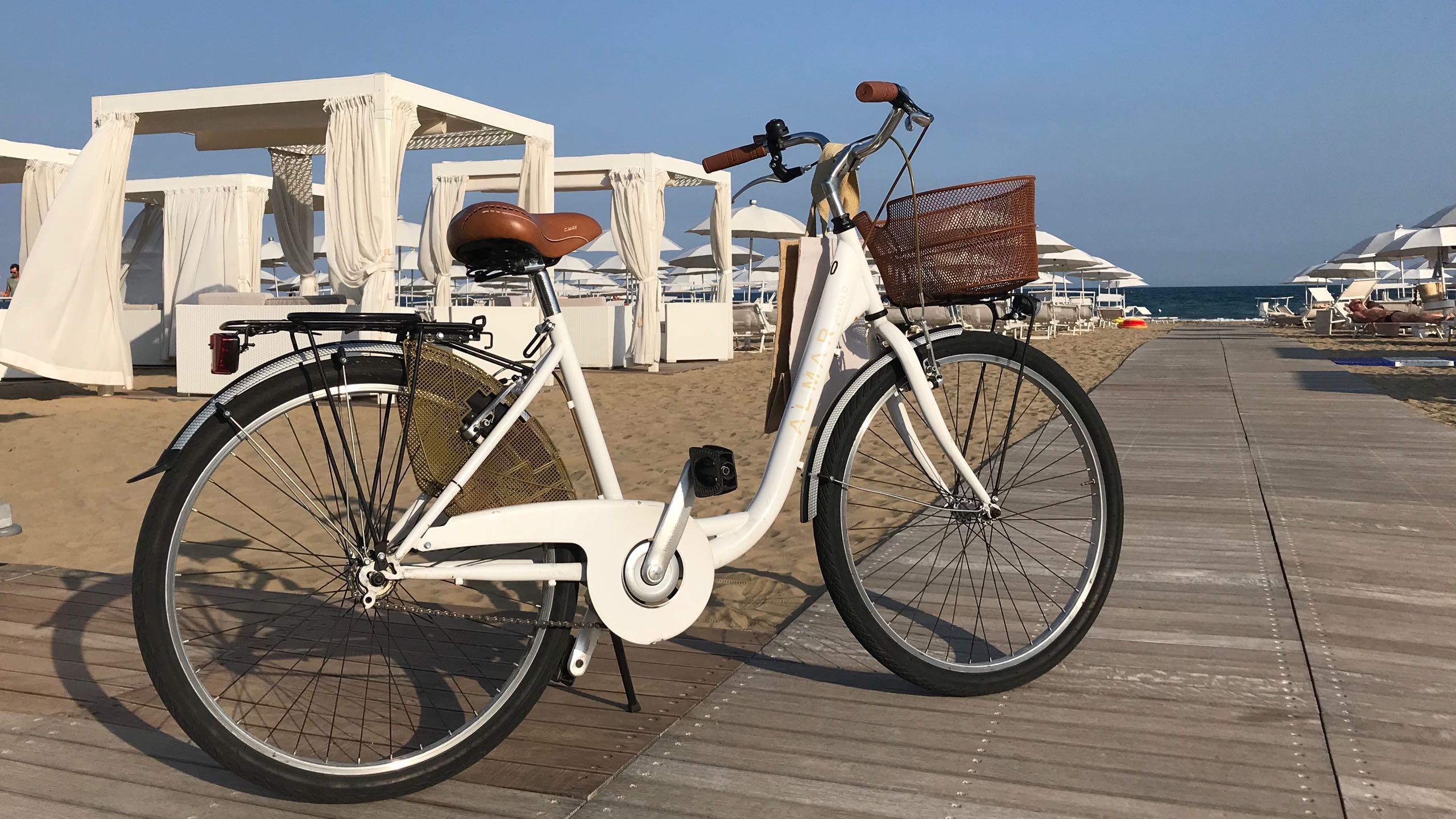 Almar Jesolo Resort & Spa Hotel Italien Privatstrand mit Fahrrad