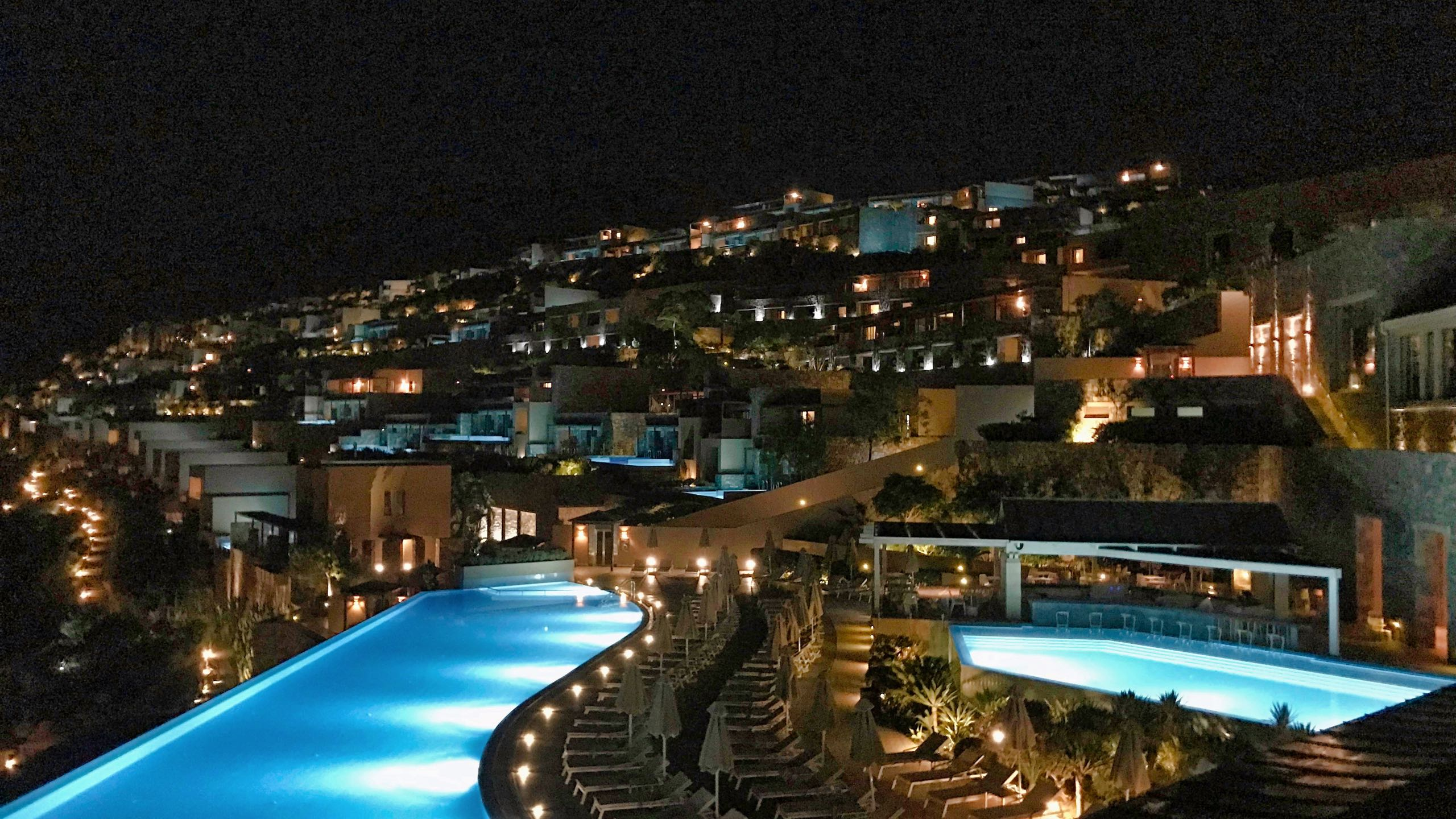 Hotel Daios Cove Kreta bei Nacht