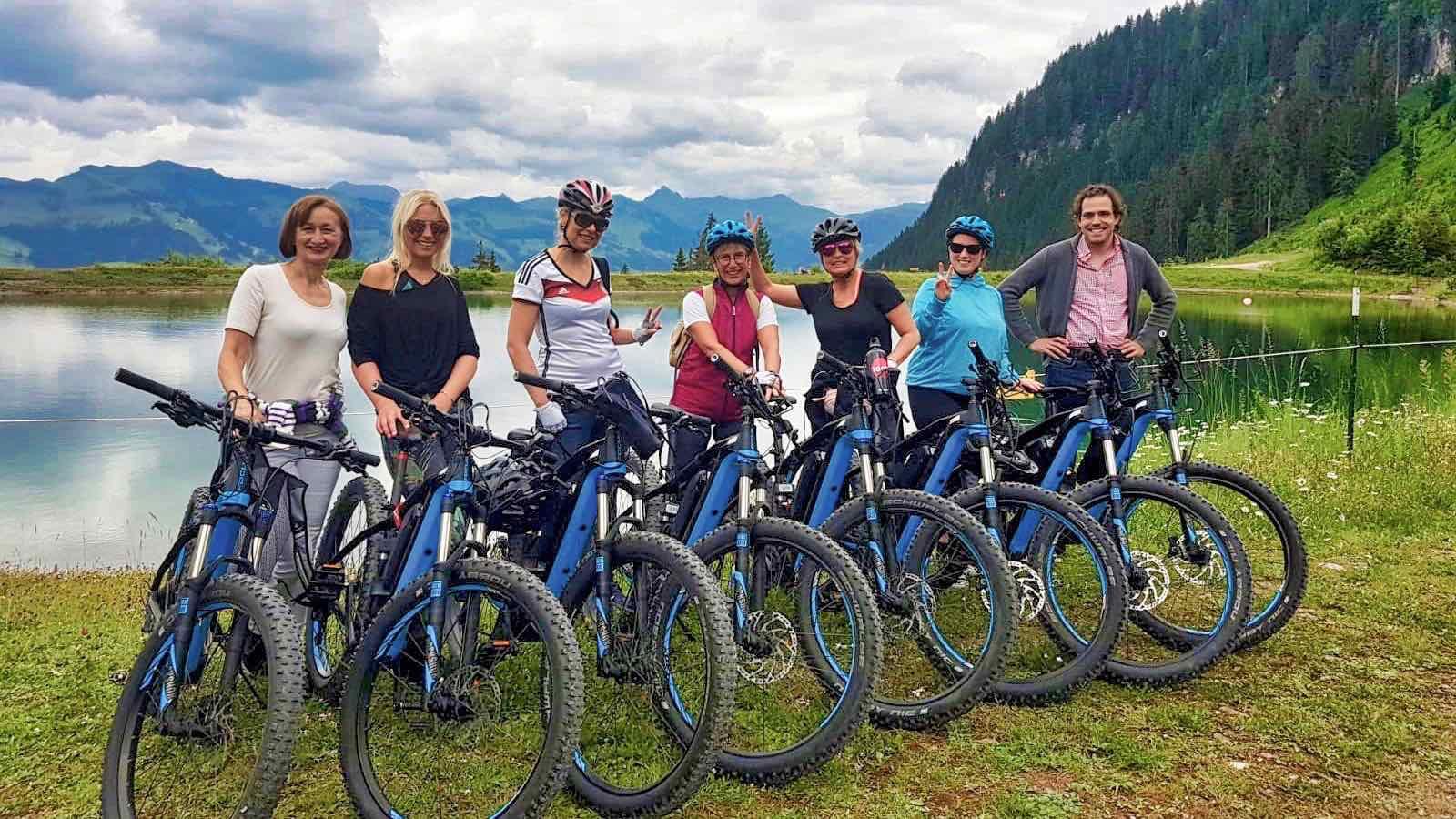 Kitzbühel E-Bike Tour zum Ehrenbachhöhe See mit dem Wilden Kaiser