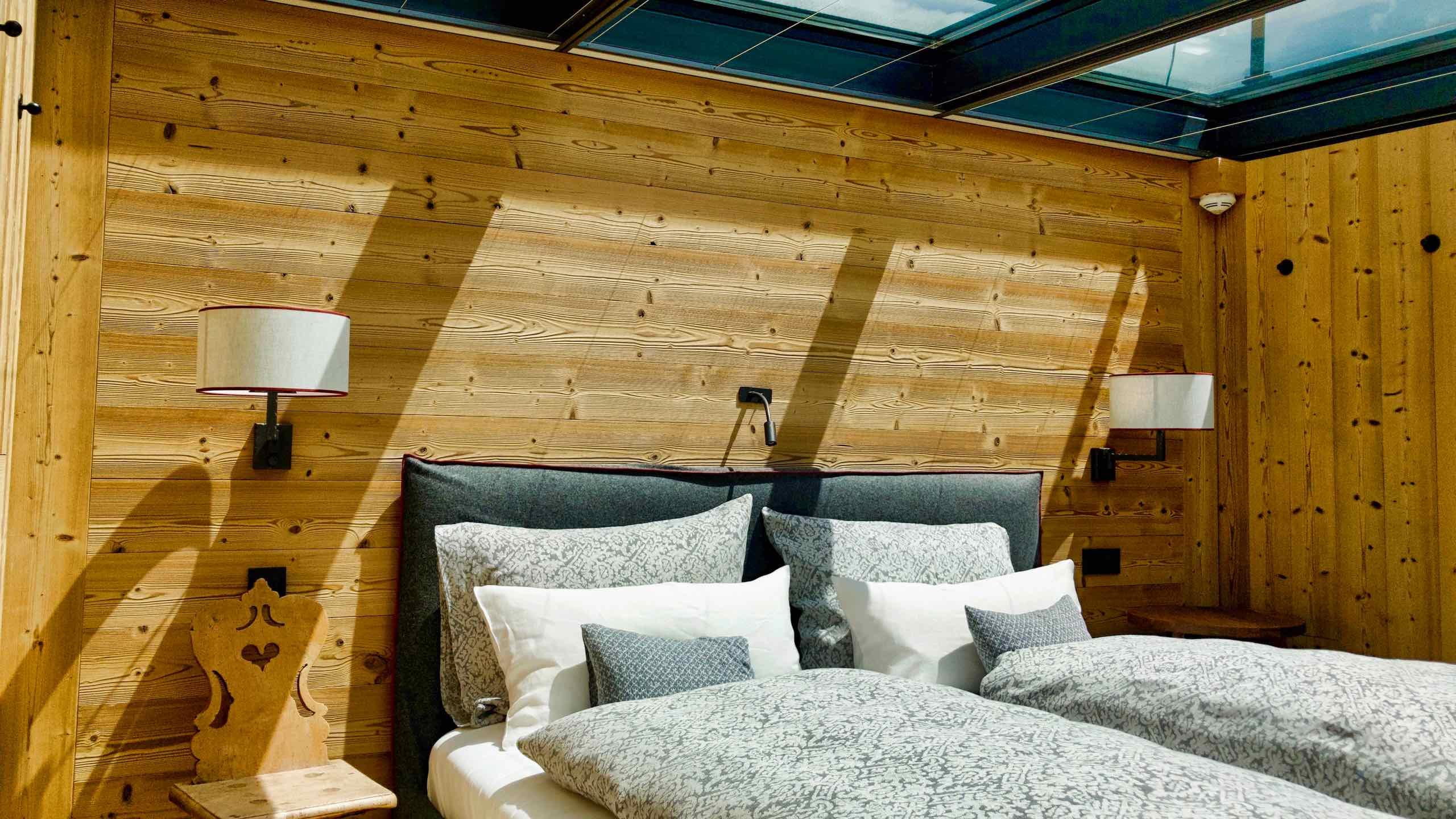 Kitzbühel Lodge Schlafzimmer mit Glasdach