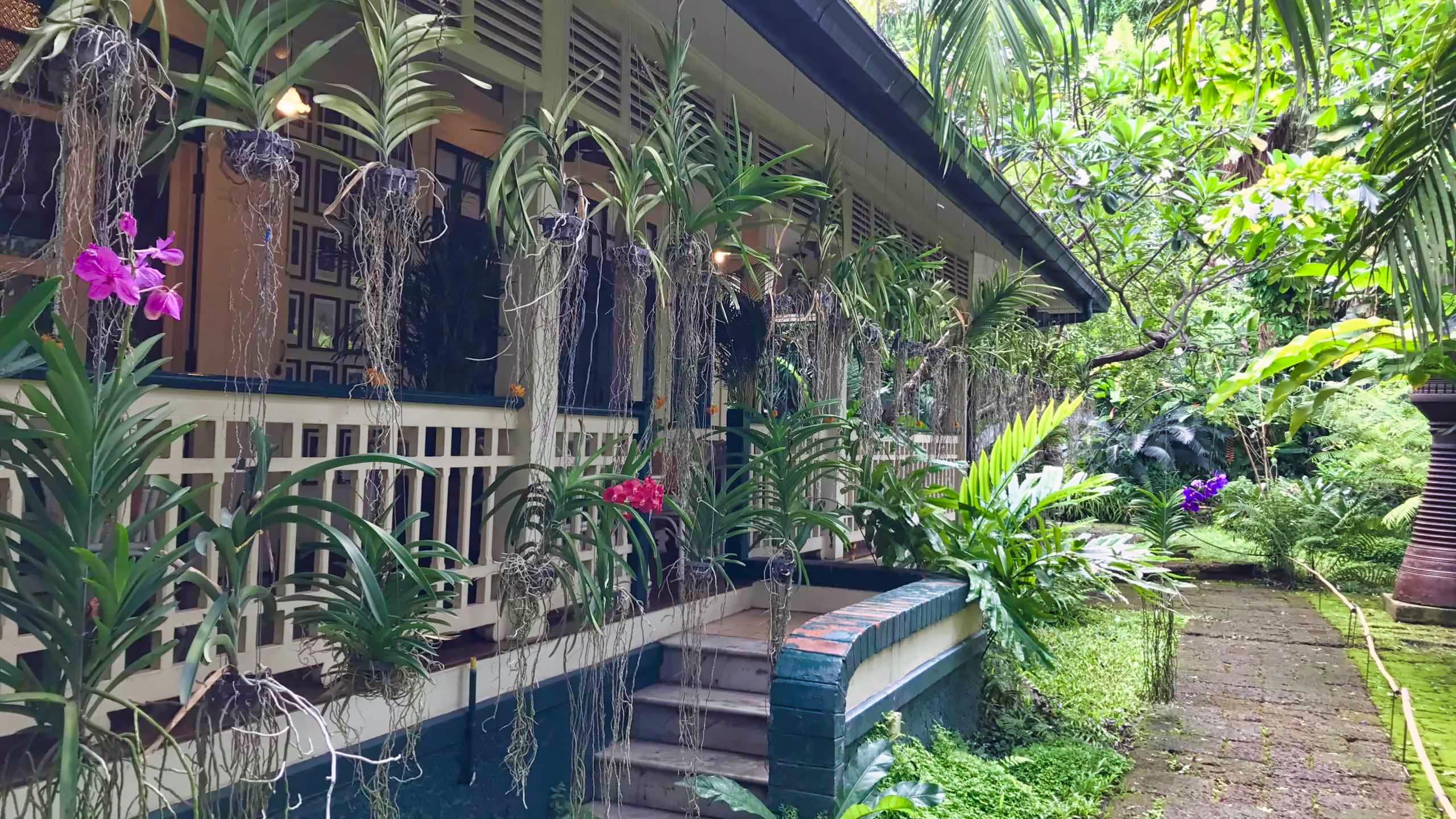 Zauberhaft, Thailands einziges Blumenkunst Museum.