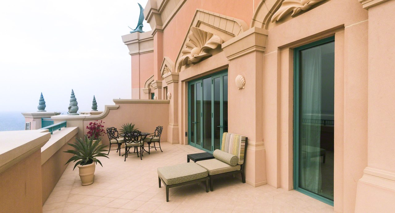 Grand Atlantis Suite: nur einer der fünf Balkone. Foto © Mirco Seyfert