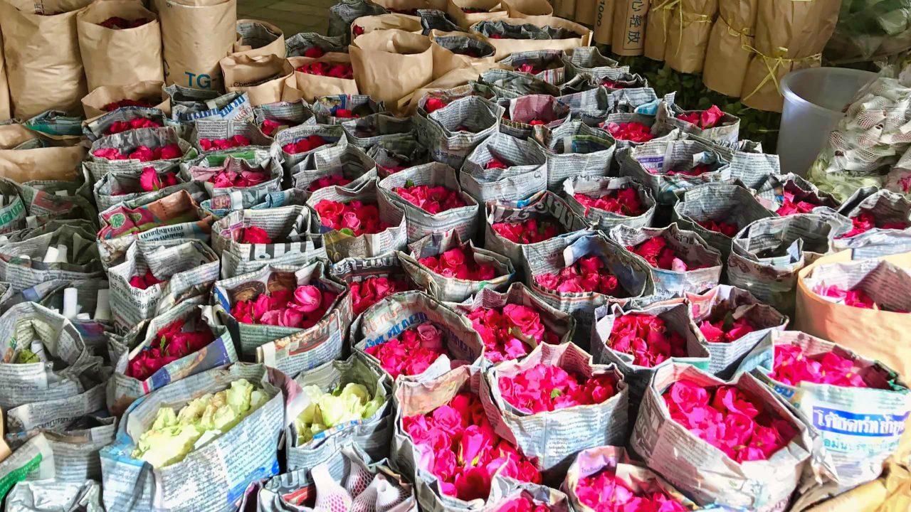 """Der Großhandel deckt sich auf dem """"Flower Market"""" ebenfalls ein."""