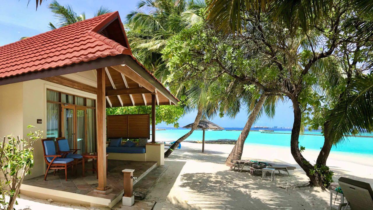 Kurumba Malediven Strand Deluxe Bungalow