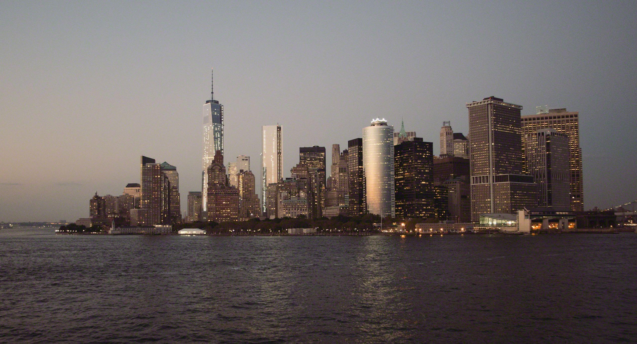 New York Skyline bei Nacht © Mirco Seyfert
