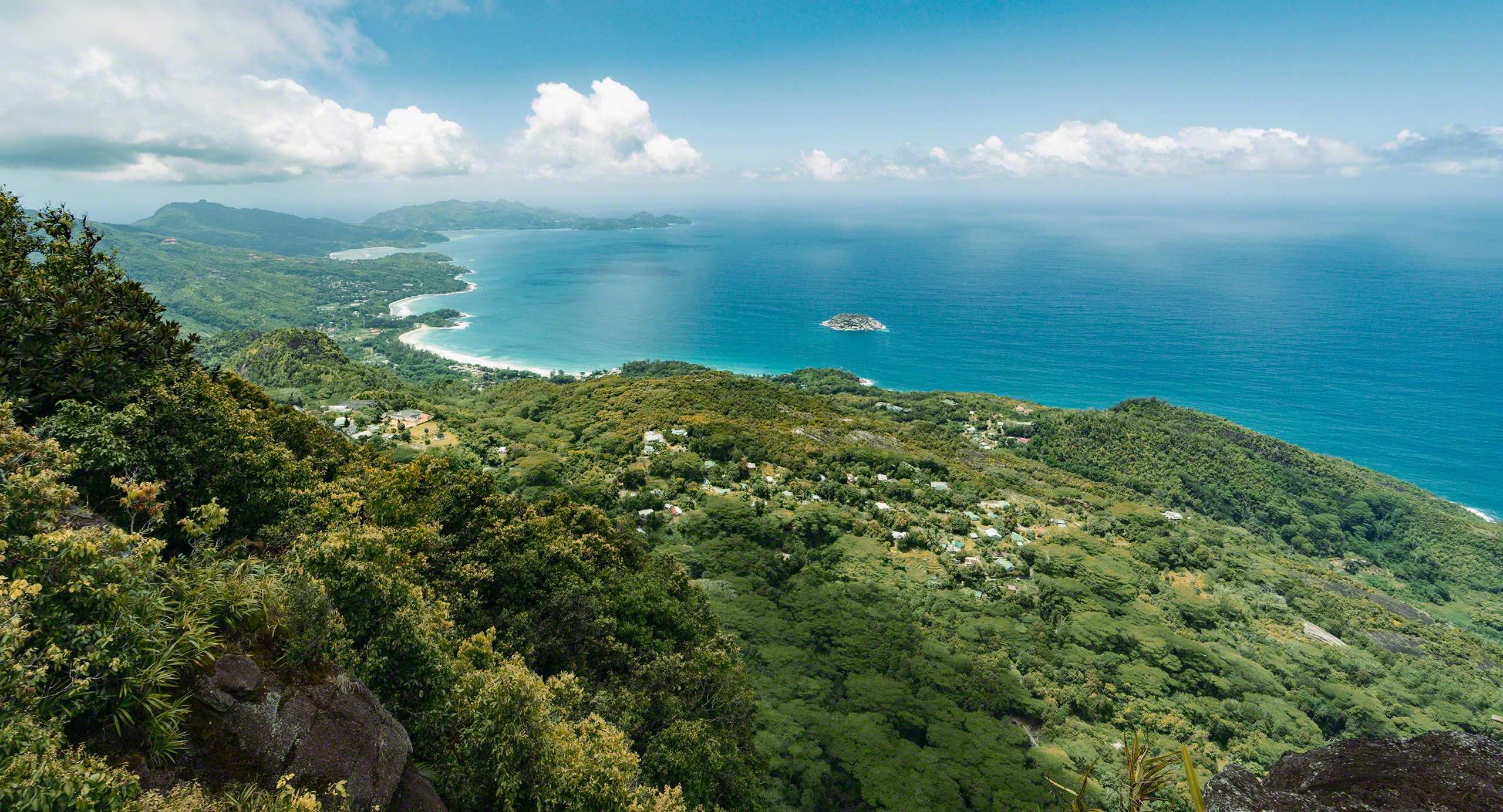 Seychellen Bergwanderung inklusive Seychellen Panoramabild am Morne Seychellois © Mirco Seyfert