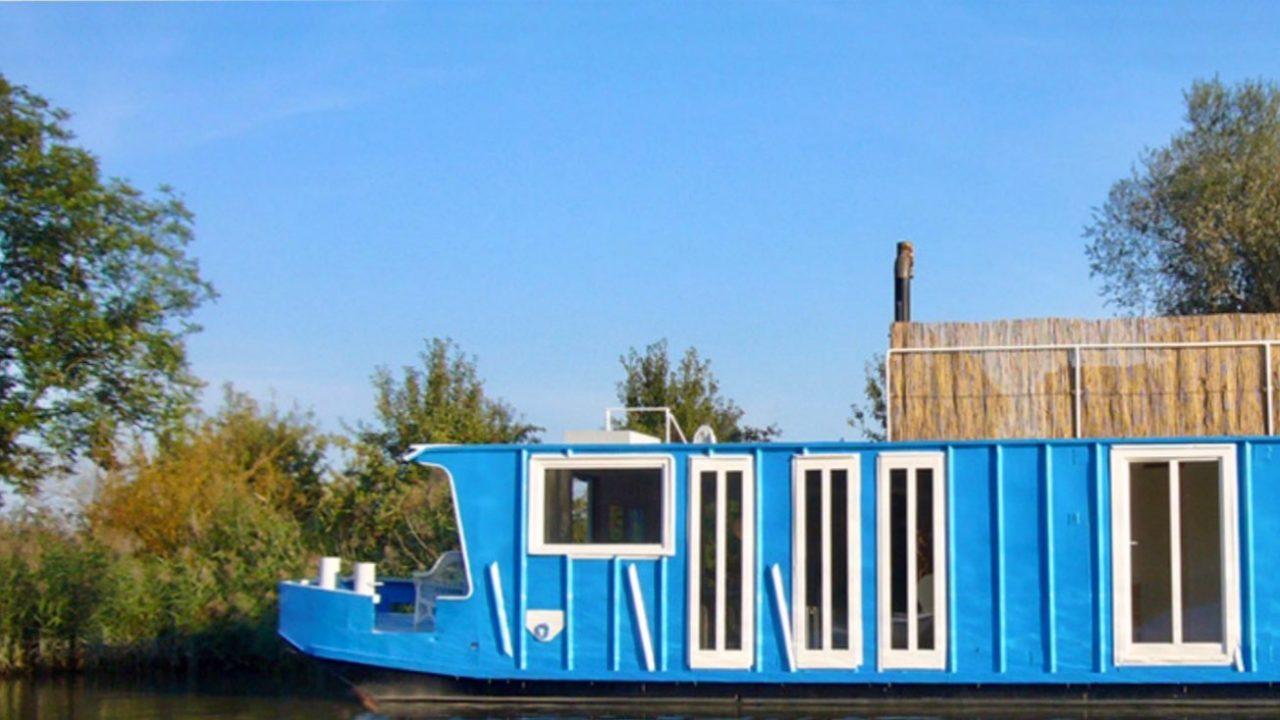 Vom Bett direkt ins erfrischende Nass rollen: Foto©Hausbootferien bei Ebbe und Flut.