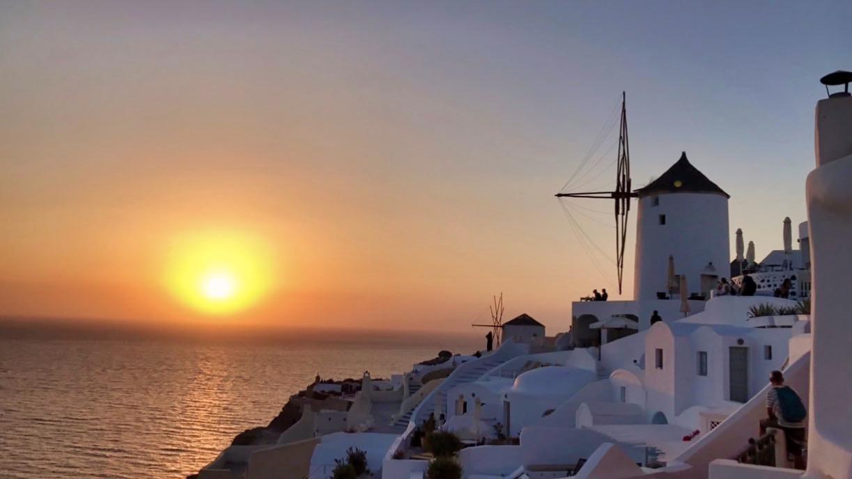 Santorini Reise Highlights und Tipps Sonnenuntergang Oia