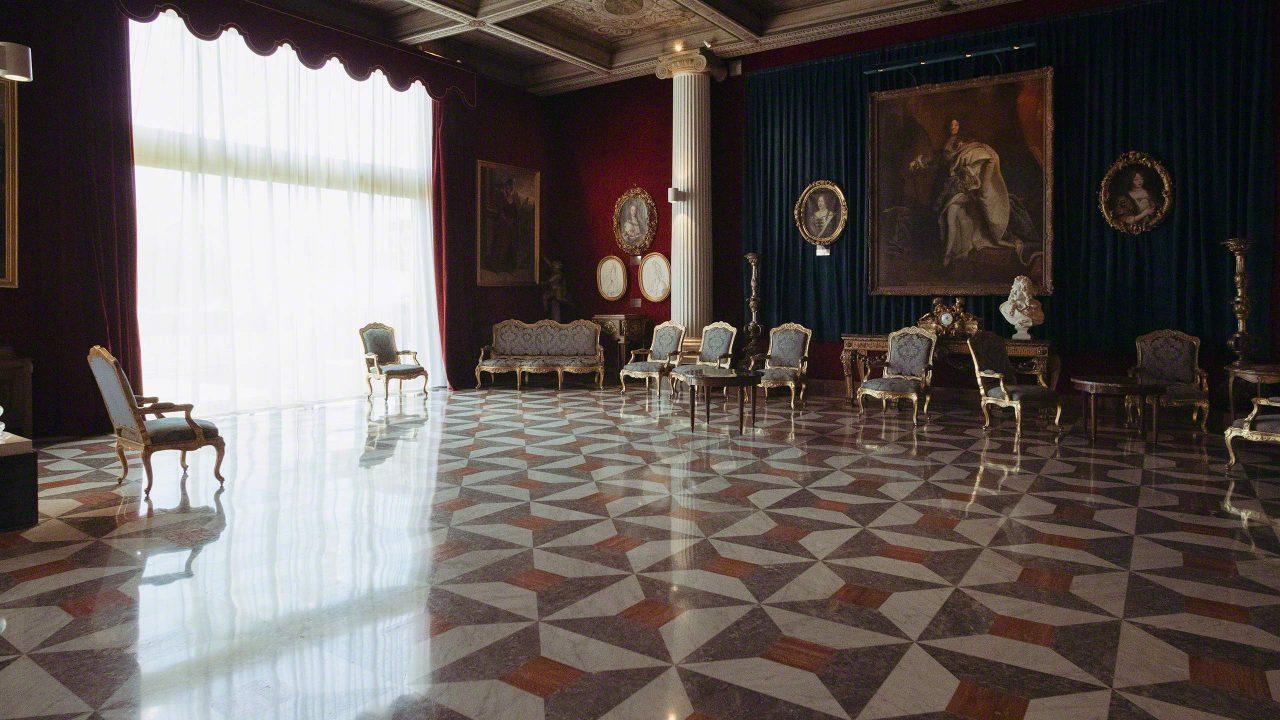 Salon Versailles im Hotelpalast, dem weltberühmten Negresco. ©Mirco Seyfert