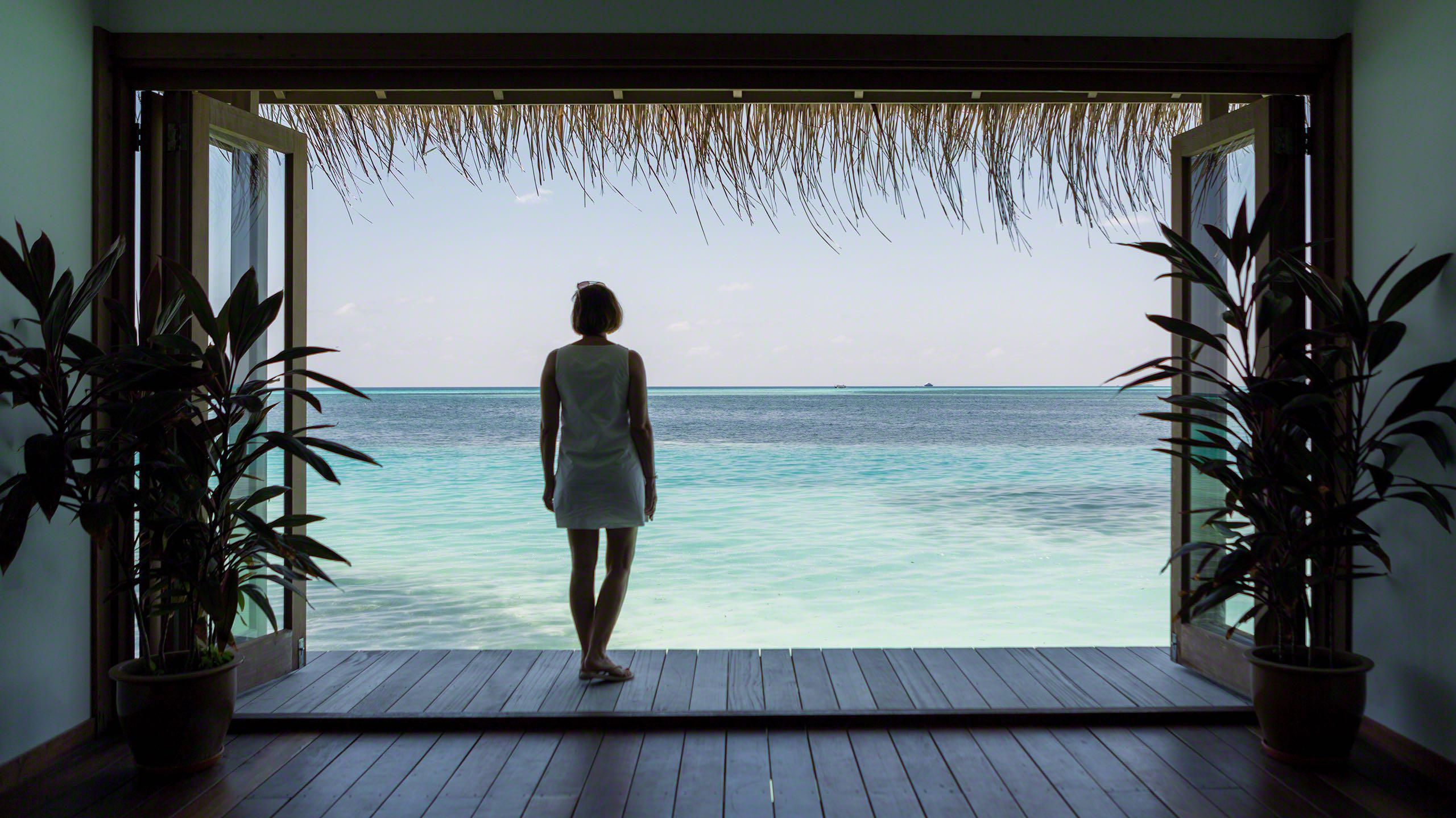 Für Spa Liebhaber: Wellnessbereich mit Blick auf das azurblaue Meer ©Mirco Seyfert
