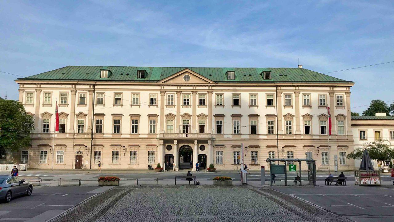 Schloss Mirabell und Mirabellgarten: Prunkvoll und majestätisch, aber auch grün und erholsam.