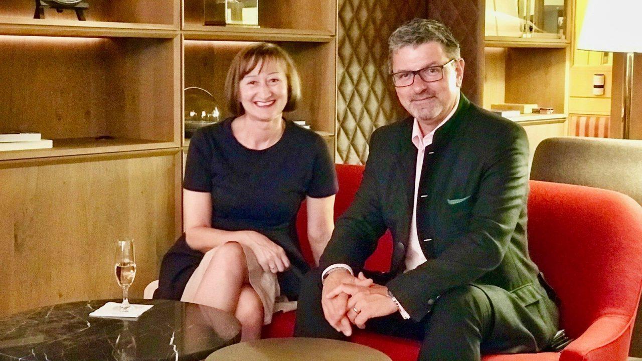 Kontaktfreudig, interessiert und zuvorkommend, Hotel Direktor Peter Lorenz nahm sich viel Zeit für ein Gespräch.