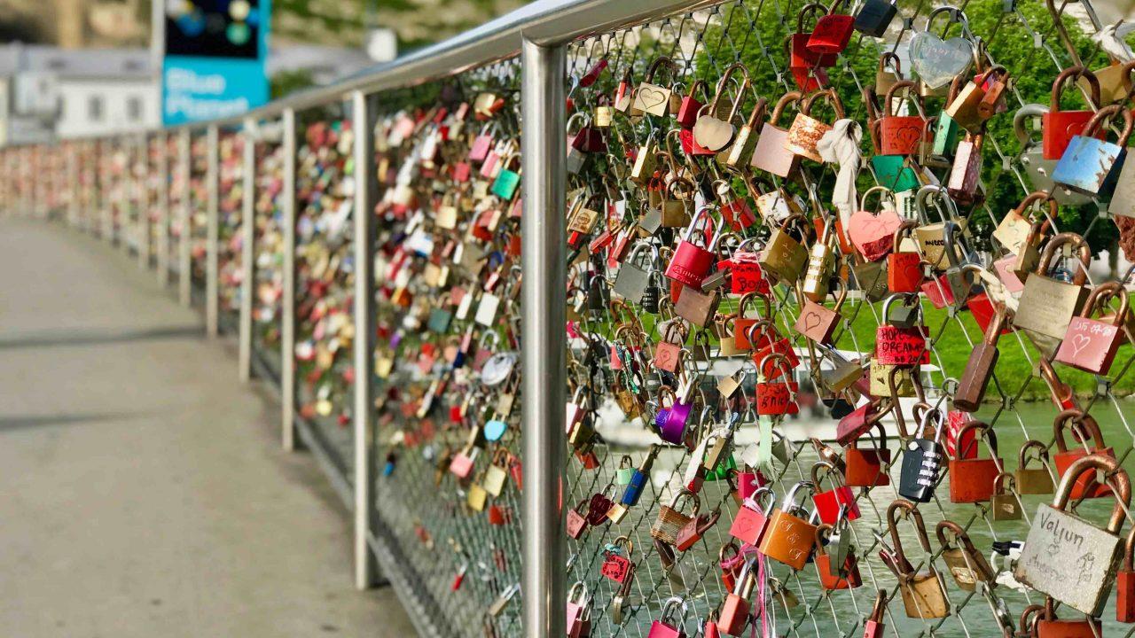Liebesbrücke im Herzen der Salzburger Altstadt.