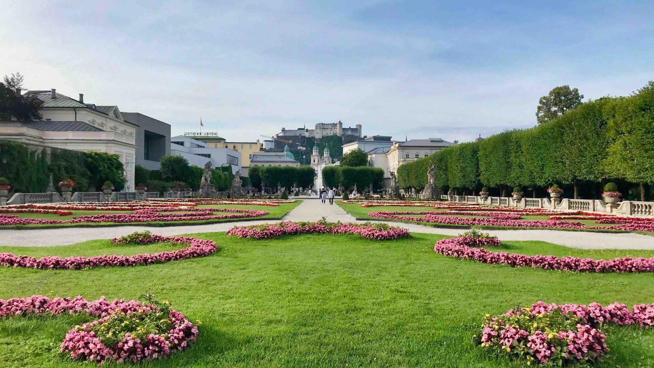 Mirabellgarten: Prunkvoll und majestätisch, eine grüne Oase inmitten der Salzburger Stadt.