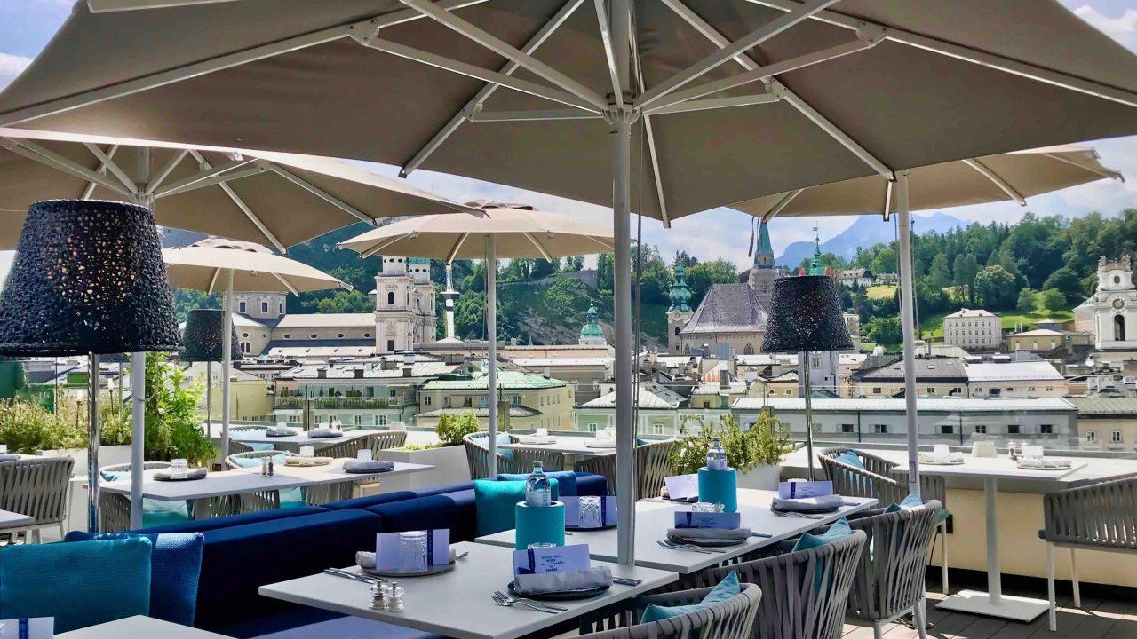 Salzburg trifft Venedig: Seven Senses Rooftop Restaurant ist eine Wohltat fürs Auge und die Seele.