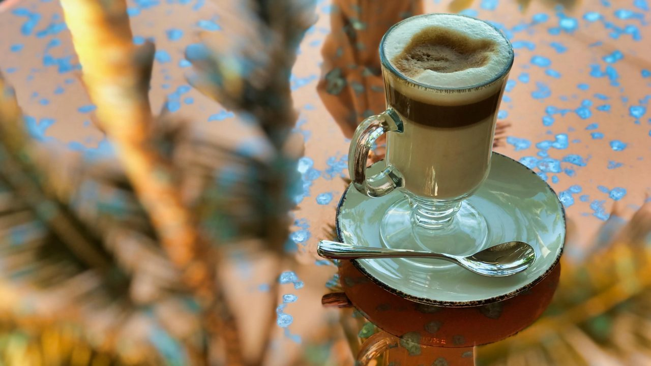 Entspannung pur: Kaffeepause im Palmengarten.
