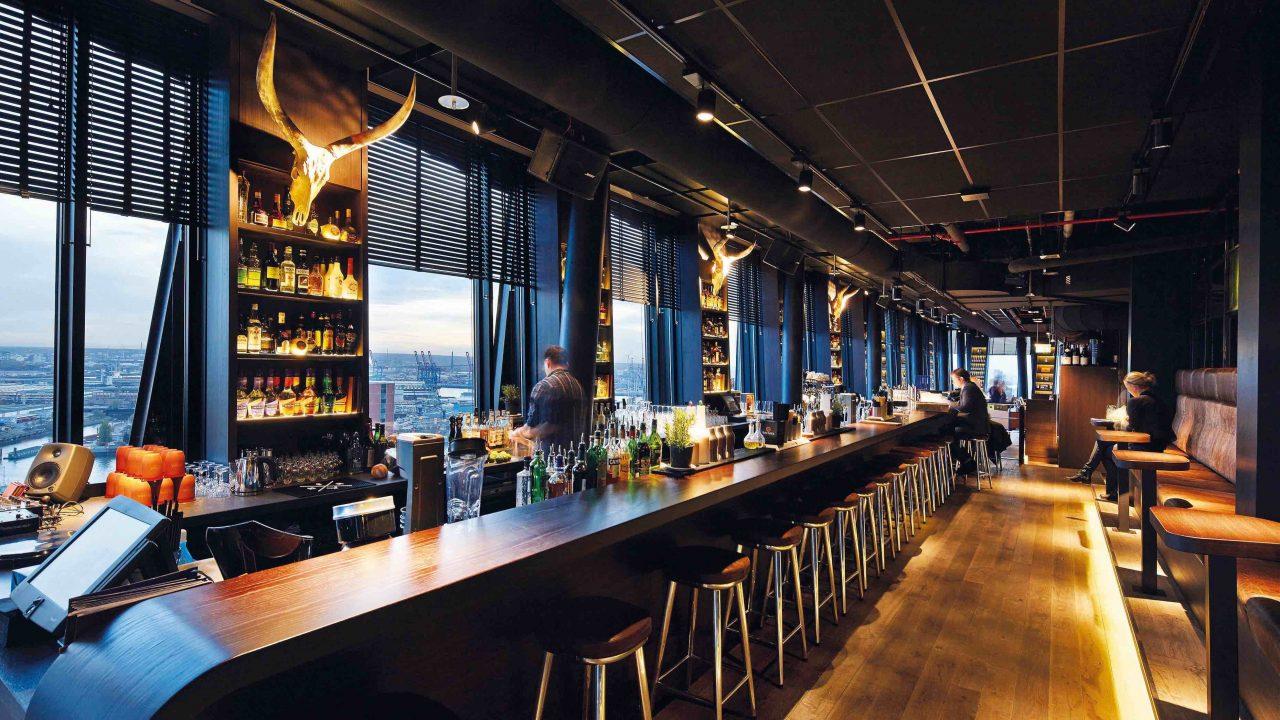 clouds - die höchste Bar Hamburgs mit Panoramablick über Hafen, Elbe, Reeperbahn und Michel. Foto ©clouds Haeven´s Bar & Kitchen