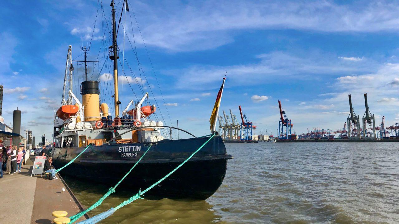 Das Museumsschiff, Baujahr 1933, ist das größte kohlebefeuerte Dampfschiff das noch voll funktionsfähig ist.