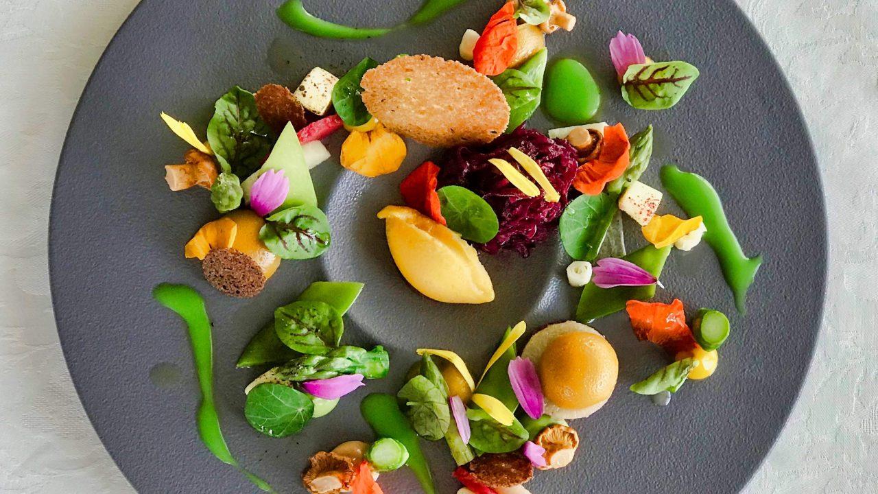 Erbse & Rotkohl: Mango, Pilze, Rettich. Restaurant Sterneck Cuxhaven.