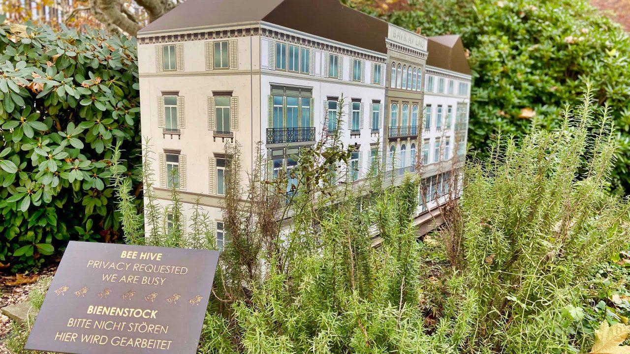 Die Hotelgäste genießen Honig aus dem weitläufigen und idyllischen Park.