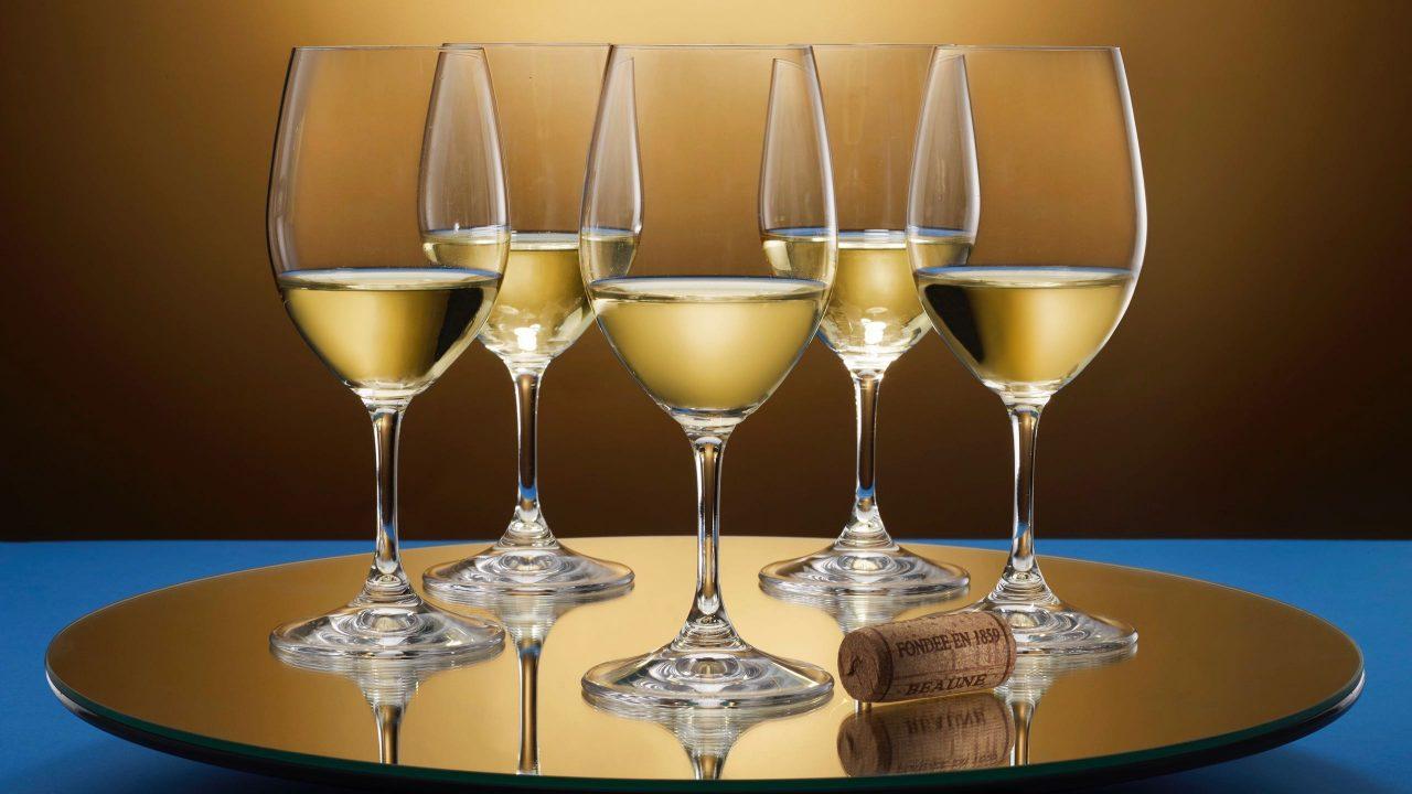 """Weingenusserlebnis der Extraklasse bietet der hauseigene Premium-Weinhandel """"Baur au Lac Vins"""". Foto © Baur au Lac"""