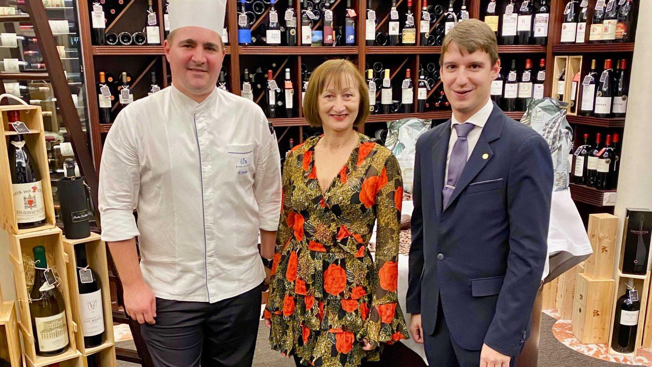 """Wein- und Schokoladenverkostung mit dem Weltmeister des Weins und """"Baur au Lac"""" Chef-Sommelier Marc Almert & Chef-Patissier Vincent Cousot."""