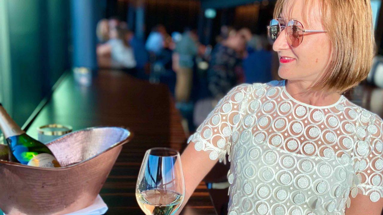 Lässig und exklusiv zugleich: Drei-Sterne-Koch Kevin Fehling und Dennis Ilies inspirieren mit innovativen Drinks und Gespür für das Besondere.