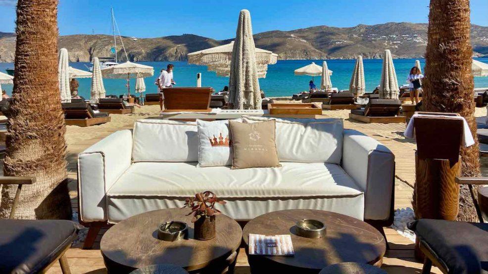 Mykonos Reisetipps Beach Clubs Principote Beyond Restaurant Sofa