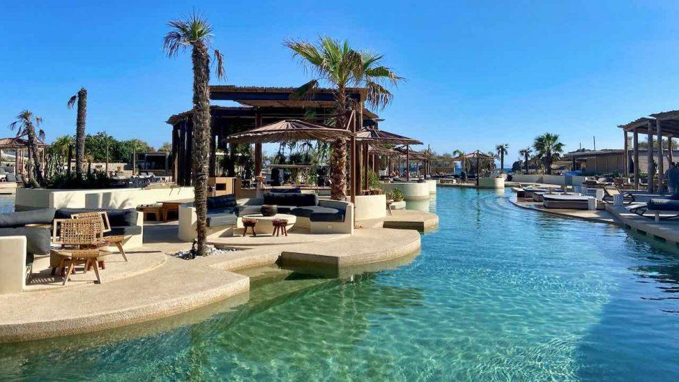 Mykonos Reisetipps Beach Clubs SantAnna Meerwasserpool